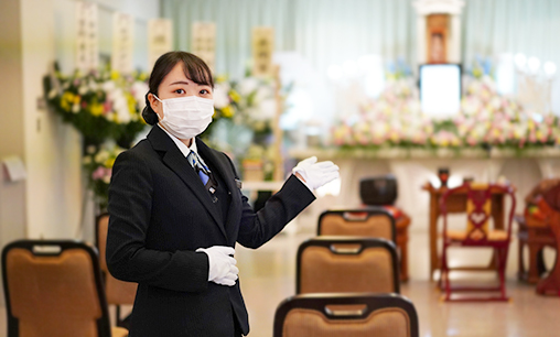 従業員のマスク着用と検温