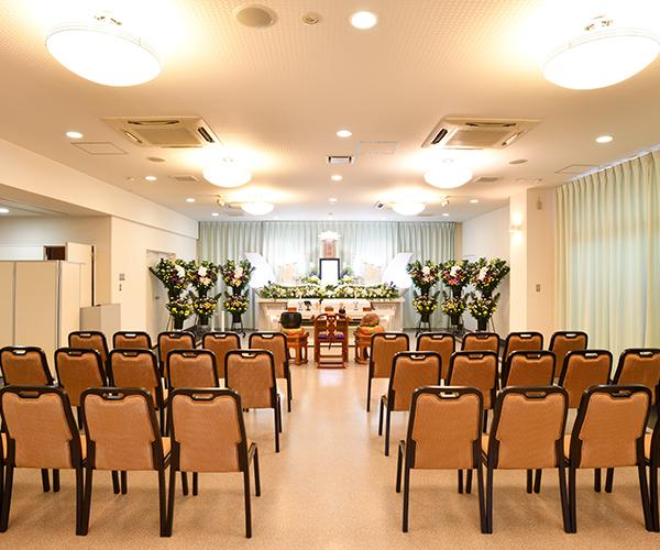 家族葬にも適した70名まで対応可能な小ホール