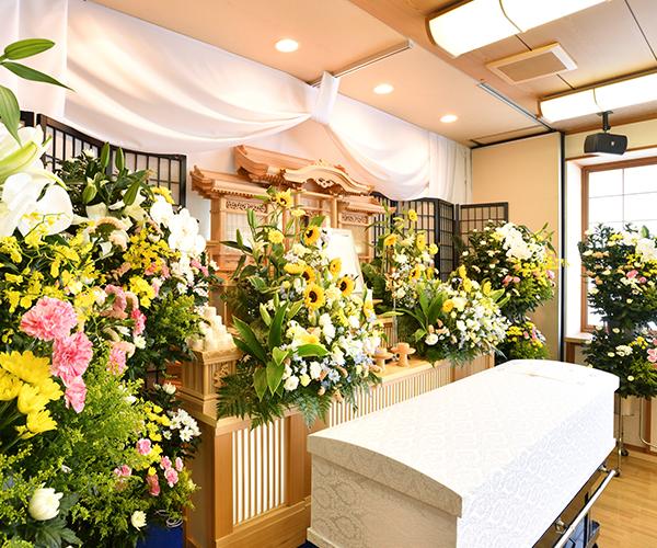 こころ斎苑 開成の感動が広がる「祭壇生花」