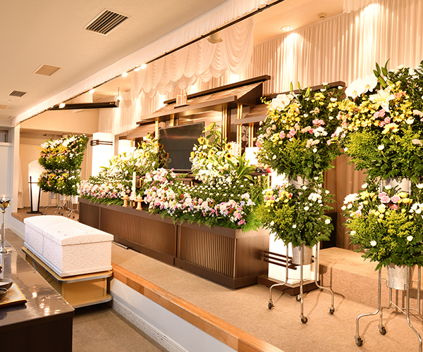 こころ斎苑 久留米の感動が広がる「祭壇生花」