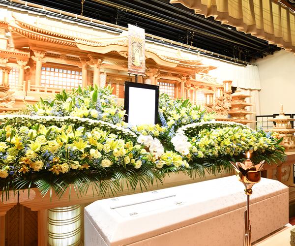 こころ斎苑 福島中央の感動が広がる「祭壇生花」