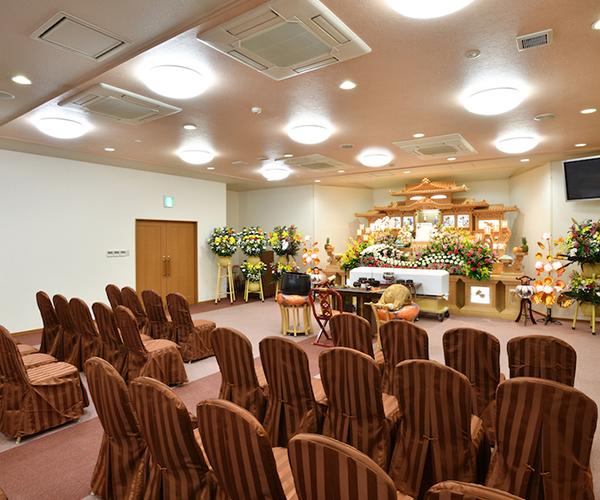 家族葬にも適した1階セレモニーホール