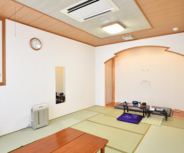 病院等からの直接安置も可能な遺族控室