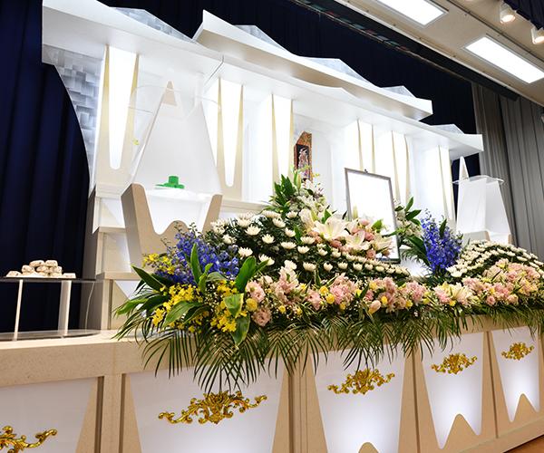 こころ斎苑 鎌田の感動が広がる「祭壇生花」